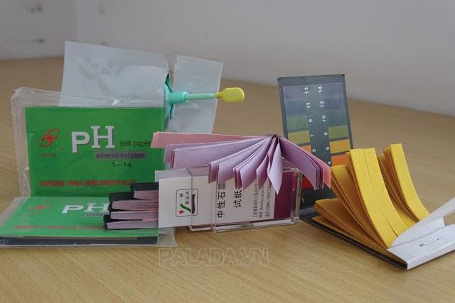 Kiểm tra độ PH trong cơ thể bằng giấy quỳ tím