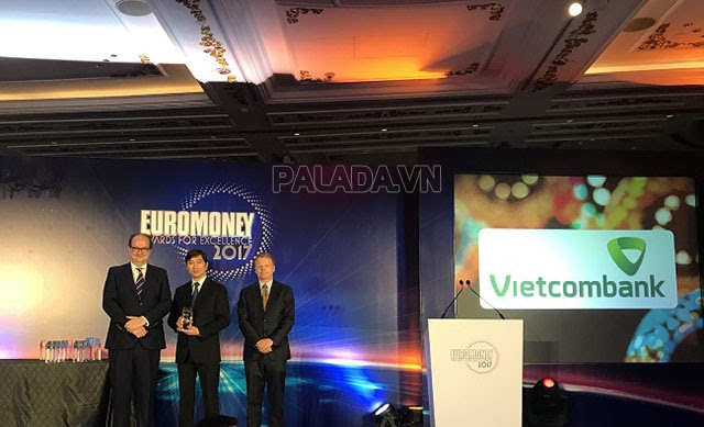 Ngân hàng Vietcombank nhận được nhiều giải thưởng cao quý