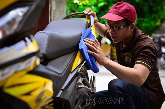 Giá sơn lại xe máy phụ thuộc vào nhiều yếu tố