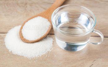 Baking soda và nước giúp trị mụn đầu đen